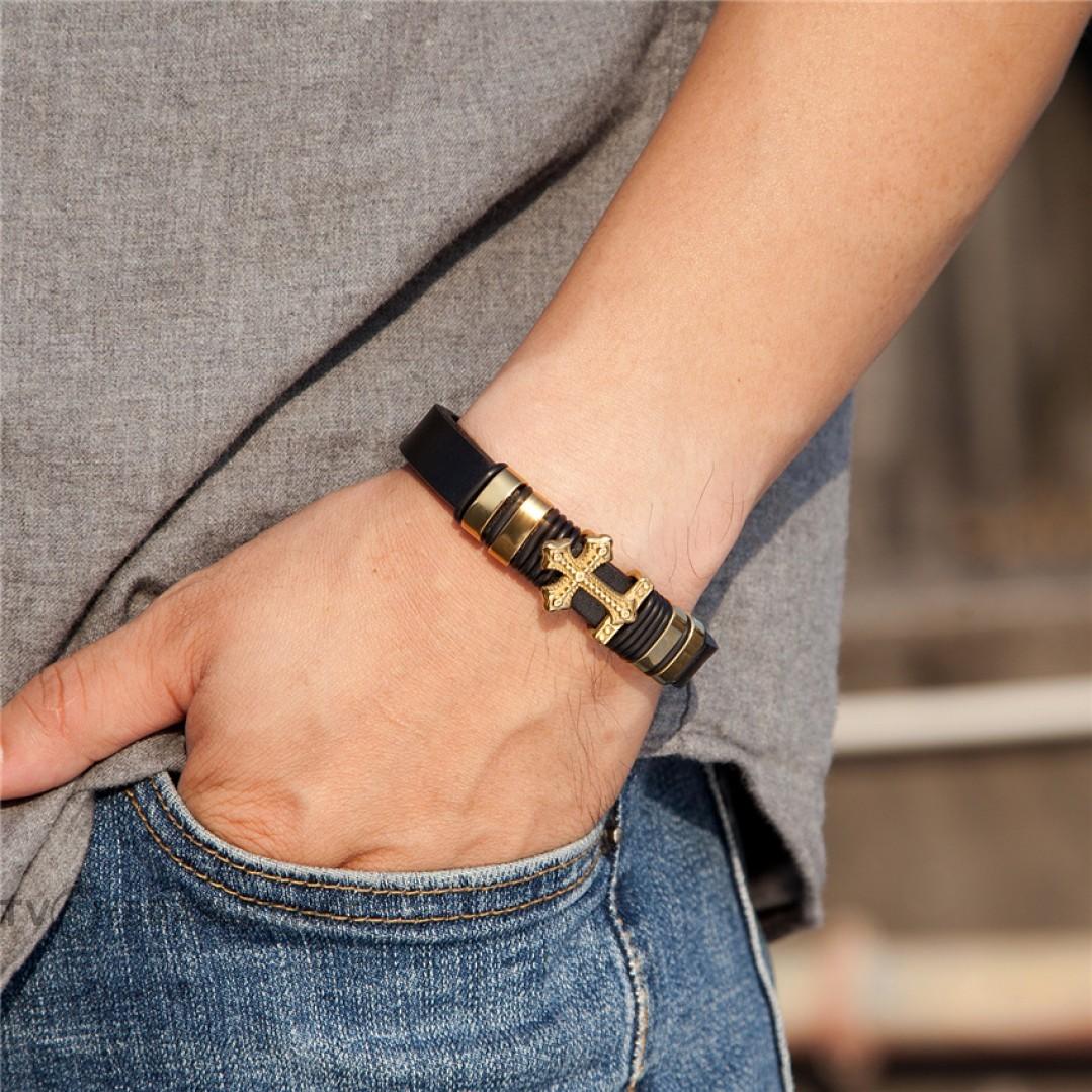 Браслет кожаный со стальным крестом черный Gold Твой Браслет LTH343