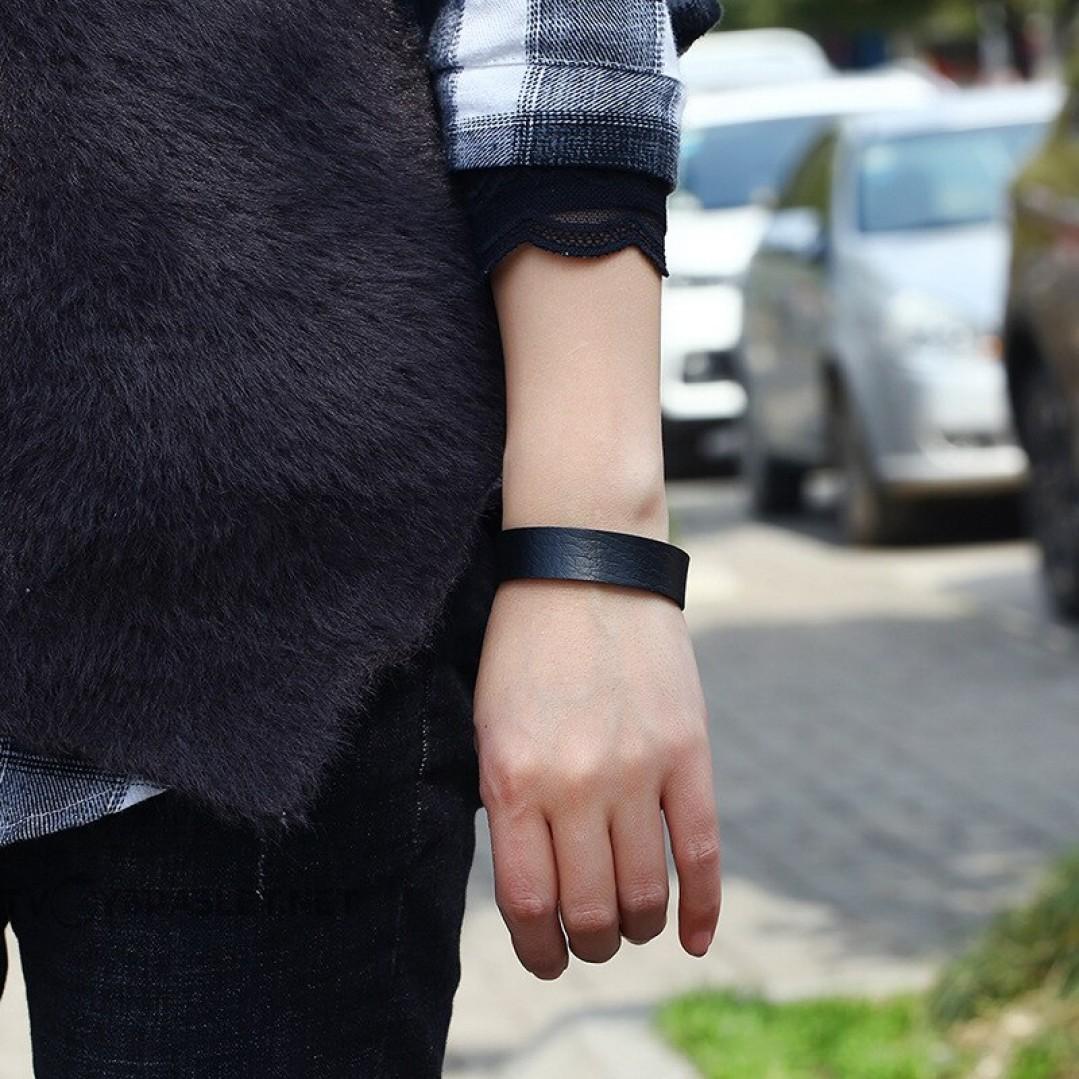 Браслет кожаный женский на кнопках черный Твой Браслет LTH383